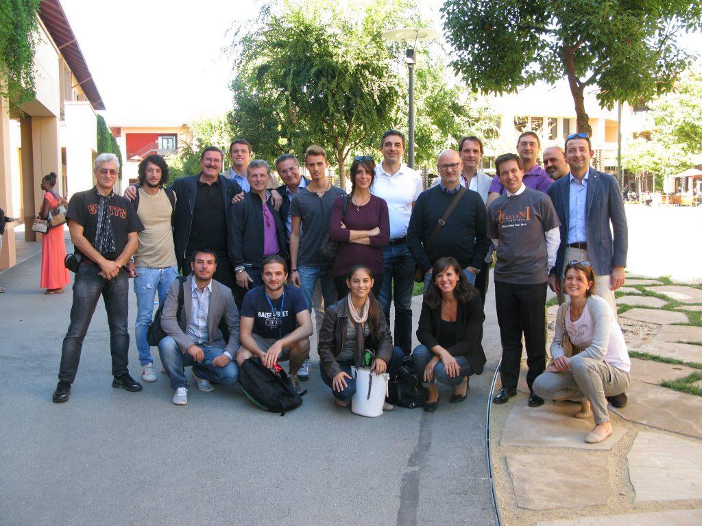 Prima foto di gruppo: a Stanford, con Enzo  Carrone.