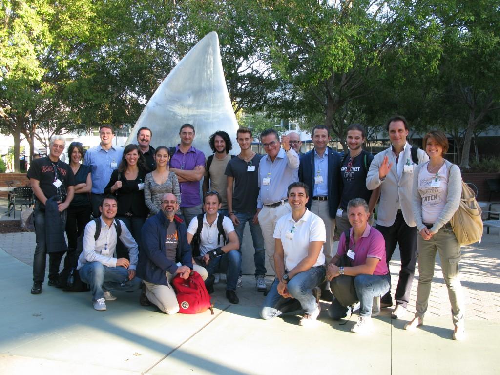Foto di gruppo nel campus di Google con Stefano Menti