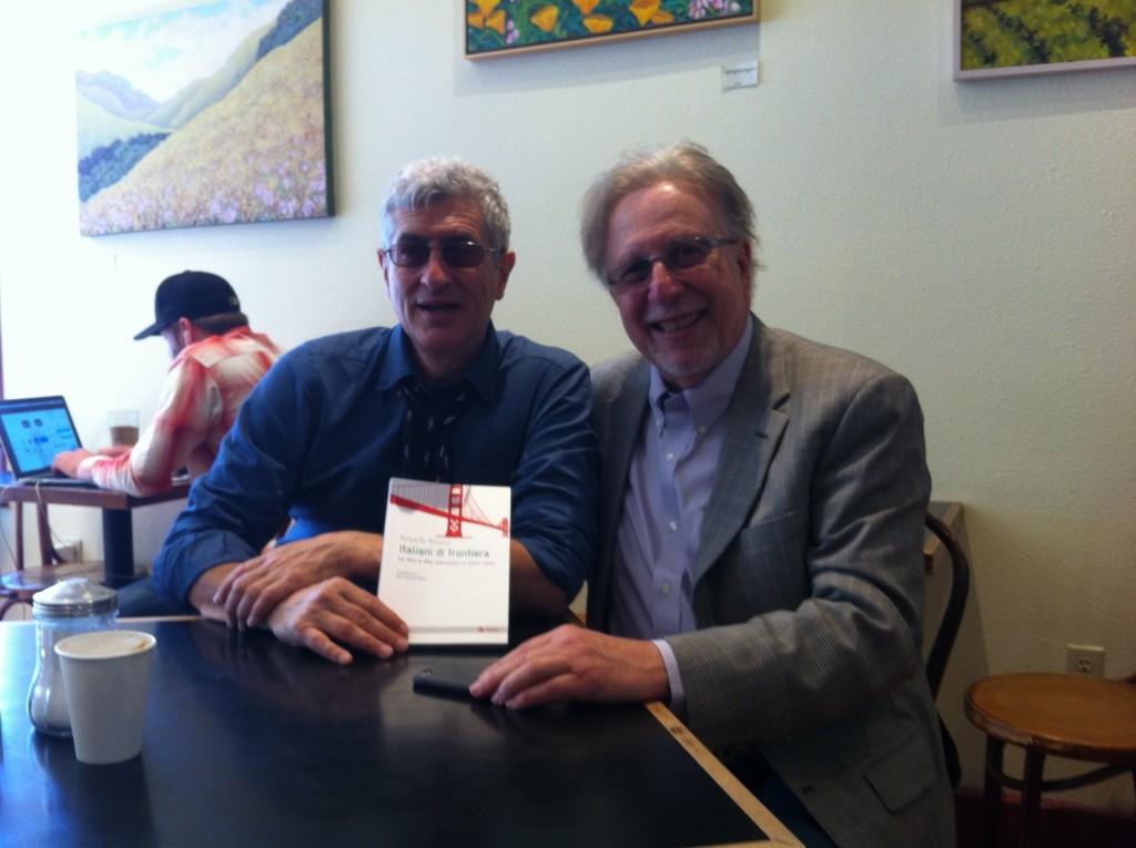 """Con Jack Sarfatti a San Francisco, con una copia di """"Italiani di frontiera. Dal West al Web: un'avventura in Silicon Valley"""" (EGEA) di cui è fra i protagonisti."""