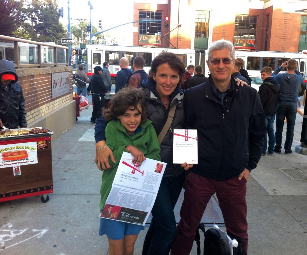 Con Valentina Imbeni direttrice di La Scuola International, il figlioletto e il mio libro davanti allo stadio AT&T dei Giants