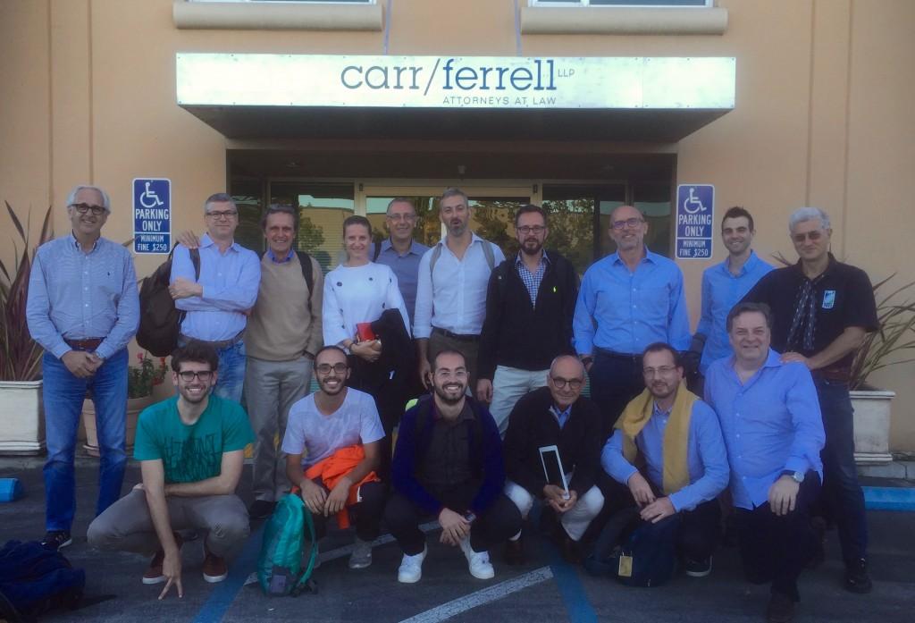 Italiani di Frontiera Silicon Valley Tour davanti allo studio Carr & Farrell con Jeff Capaccio (primo a destra in prima fila) fondatore di SVIEC.